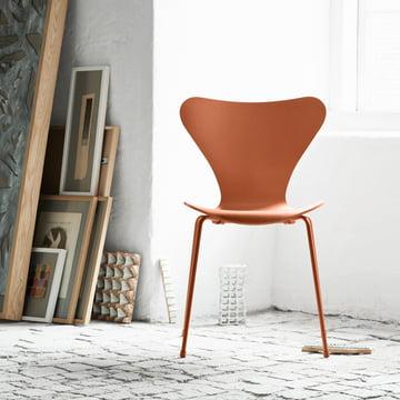 Fritz Hansen - Series 7 Chair, monochromatic Chevalier orange
