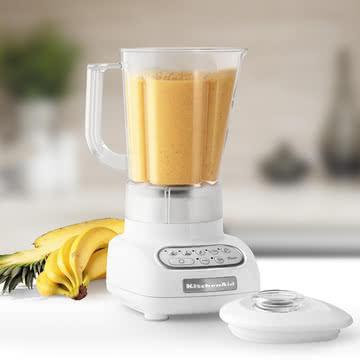 KitchenAid - Classic Blender in white
