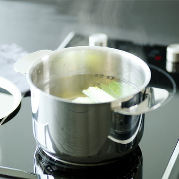 Cooking soup with a cooking pot of the All Steel series by Fiskars