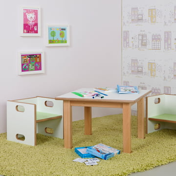 debe.detail table and chair: matching team