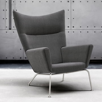 CH445 Wing Chair Hallingdal 65 Col. 0126 by Carl Hansen.