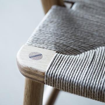 Carl Hansen - CH22, Seat detail