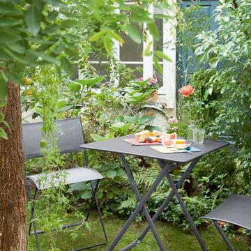 Plein Air Table and Chair by Fermob