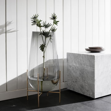 Échasse vase and Plinth Cubic table by Menu