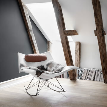The Fredericia - Stingray Rocking Chair in Matt White / Flint