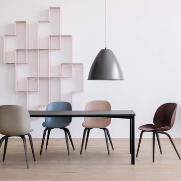 Y! Dining table by Gubi with the Beetle Dining Chairs Wood Base