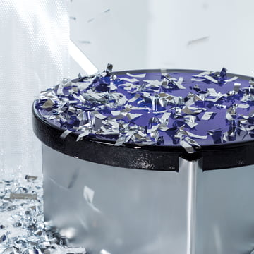 The Pulpo - Alwa One Table Decorated with Confetti