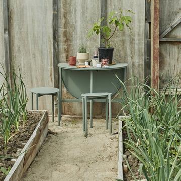 The Skaterak - Picnic Table and Picnic in Slate Grey.