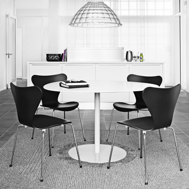 Series 7 Chair By Fritz Hansen In The Shop