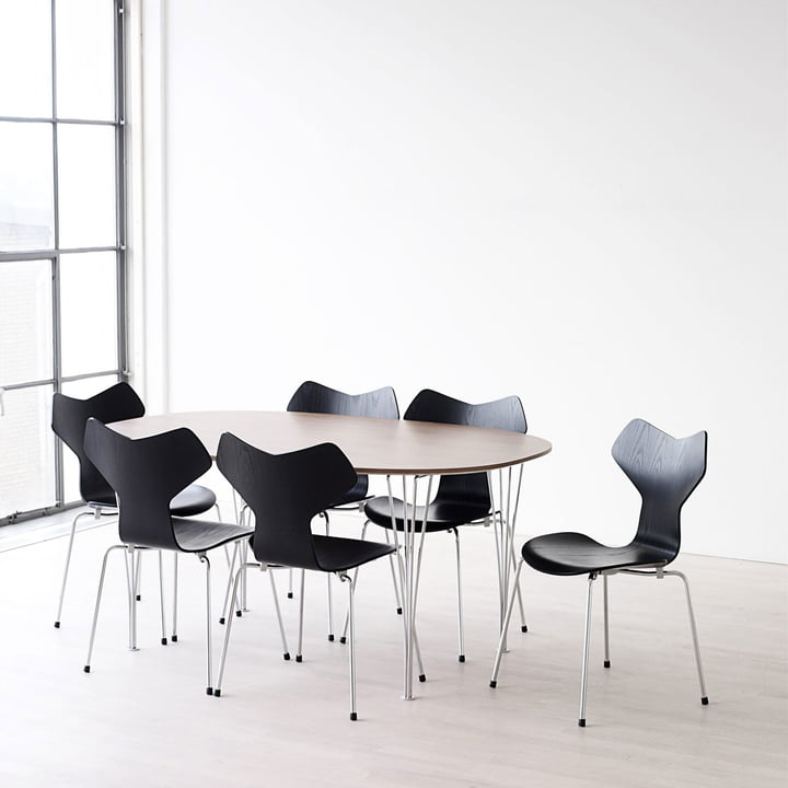 Super Elliptical Tables By Fritz Hansen