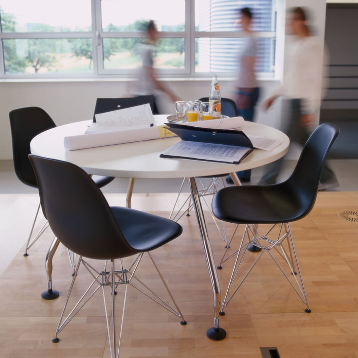 Vitra - Eames Plastic Side Chair DSR, rot