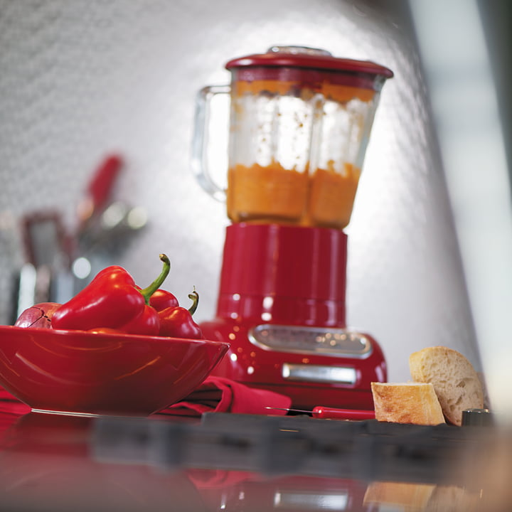 Artisan blender with glass container