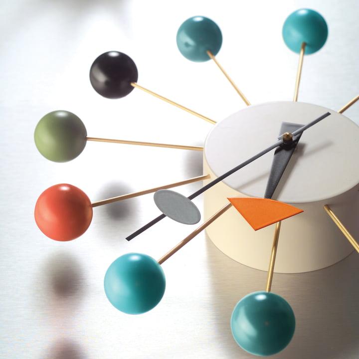 Vitra - ball clock - details