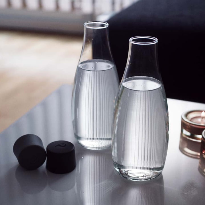 Retap - Drinking Bottle, black lid, ambience