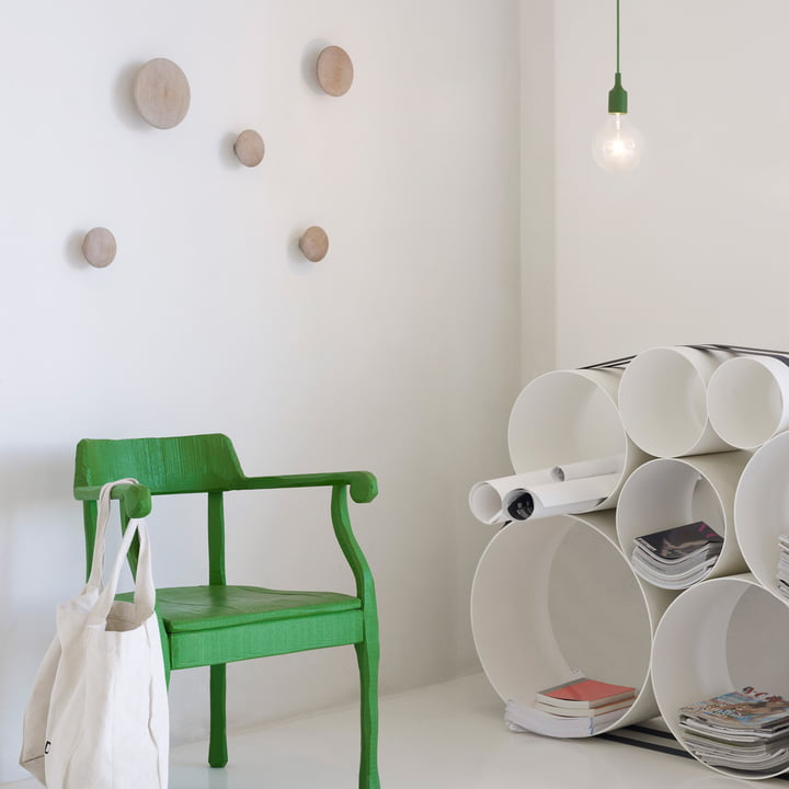Style-conscious Ambience with Muuto The Dots and OTO 100 Shelf System