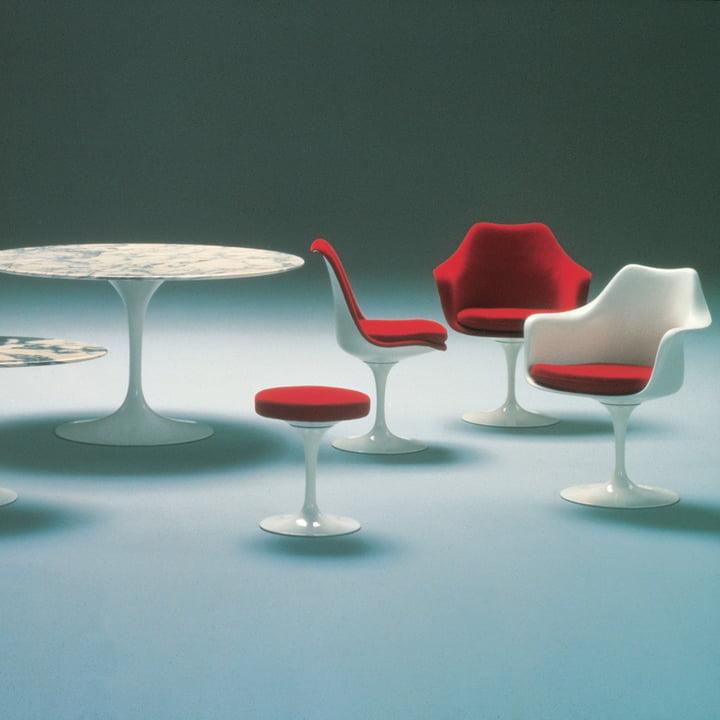 Knoll - Saarinen Tulip Stool rotatable, white / black