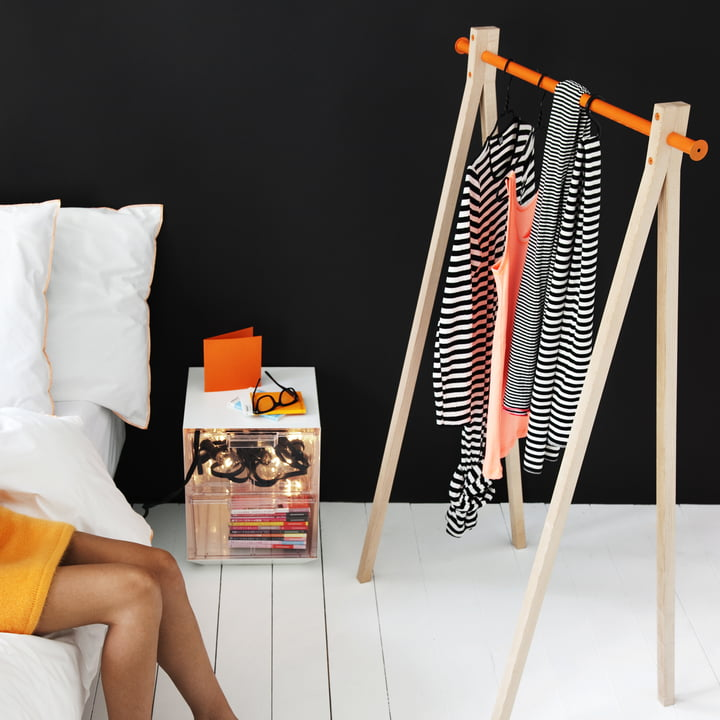 Design in the Bed Room with Orange Highlight