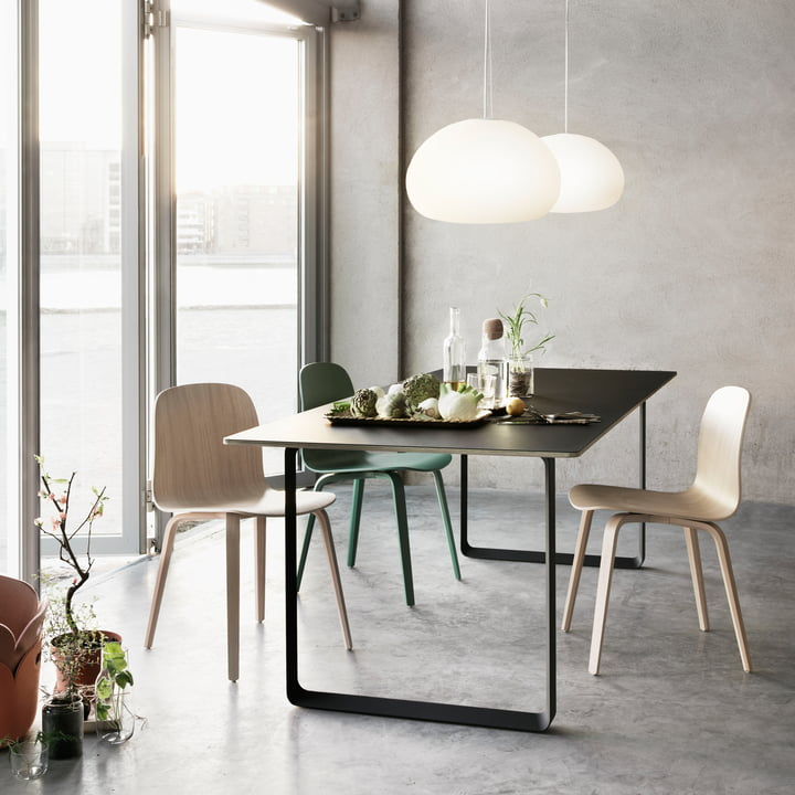 70 / 70 Table and Visu Chair by Muuto in the Dining Room