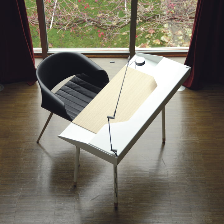 Radius Design - Miss Moneypenny Secretary, ambience image