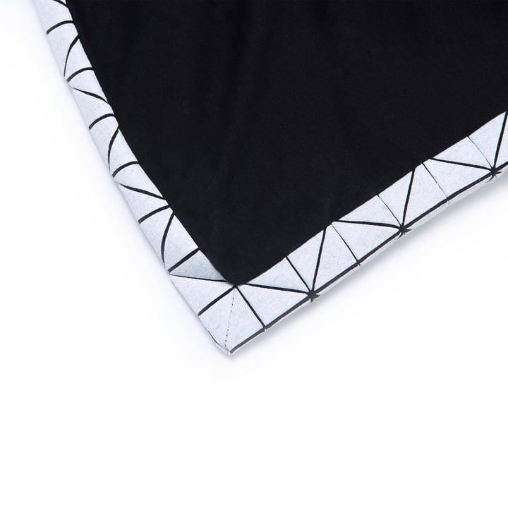 Mika Barr - Folding A-Part Throw, black / white