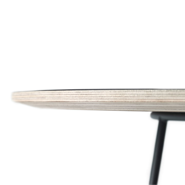 The Airy coffee table by Muuto in black