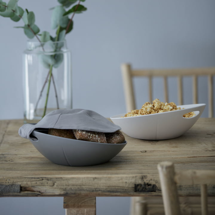 Bread basket with napkin or serving bowl for the favourite snacks.