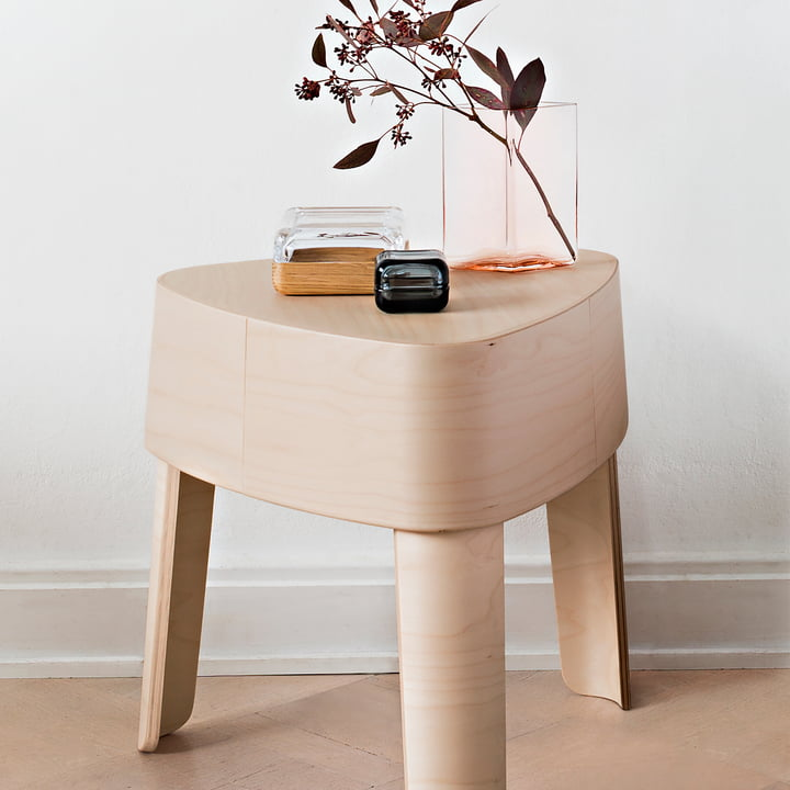 Plektra side table by Iittala