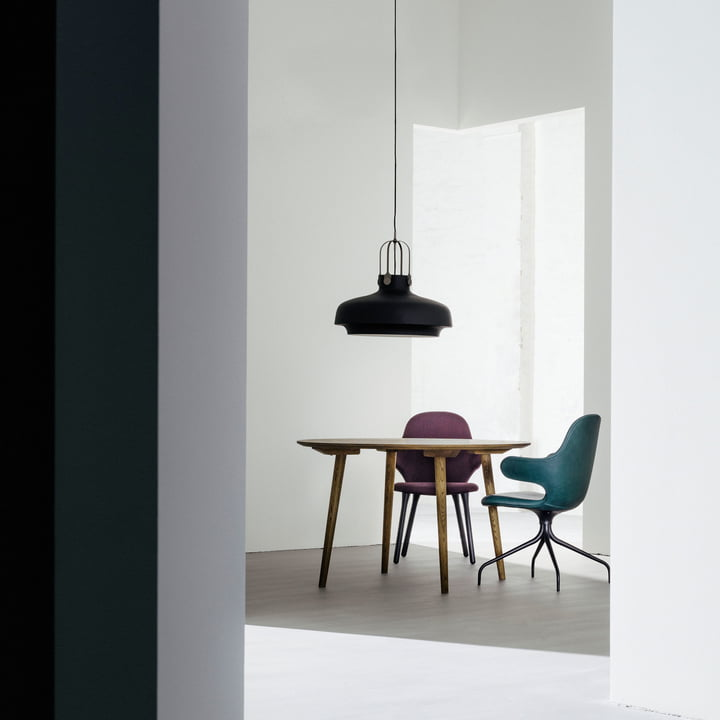 Copenhagen SC8 pendant lamp with the In Between SK4 table by &Tradition