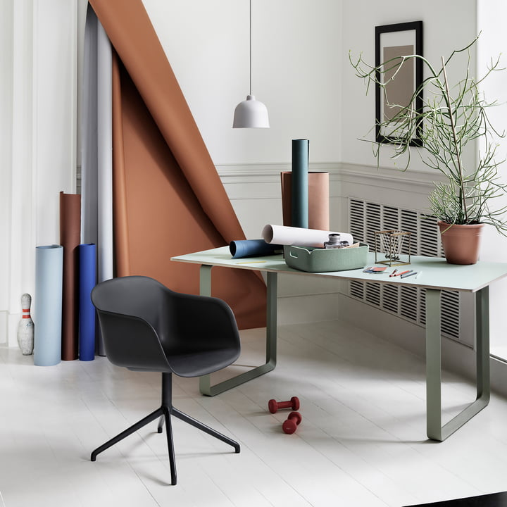 Muuto - Fiber Chair - Swivel Base, schwarz / schwarz