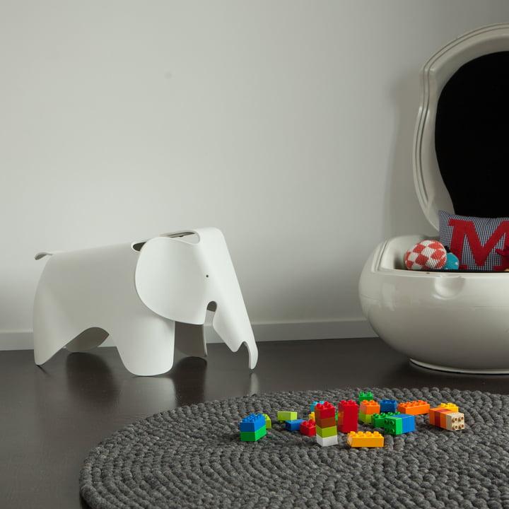 Round Hugo carpet by myfelt