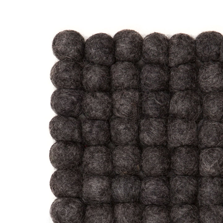 Hugo rug rectangular by myfelt