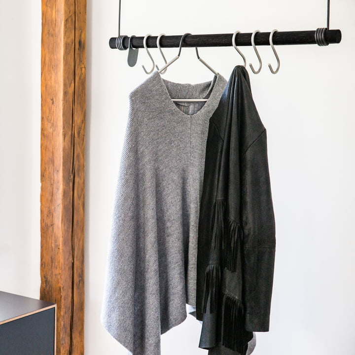 Swing Hanging Coat Rack and Clothes Hangers by LindDNA