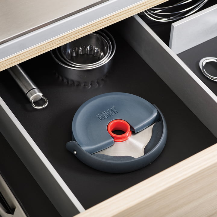 Dishwasher safe and space-saving