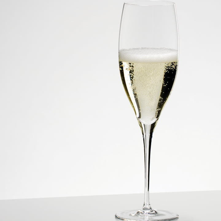 Glass for Champagne with Fine Edge