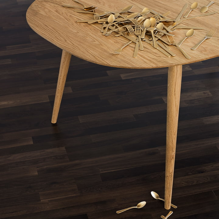 Play Dinner Lamé Dining Table in Superellipse Shape
