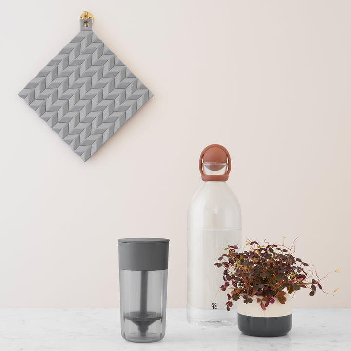 The Hold-On Pot Holders and the Cool-it Water Carafe by Stelton