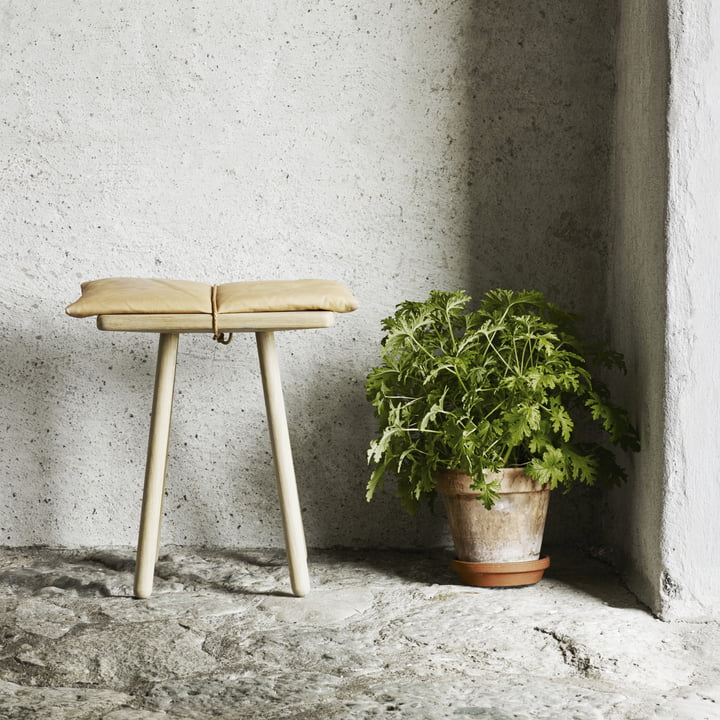 Georg Stool Leather (limited edition) by Skagerak