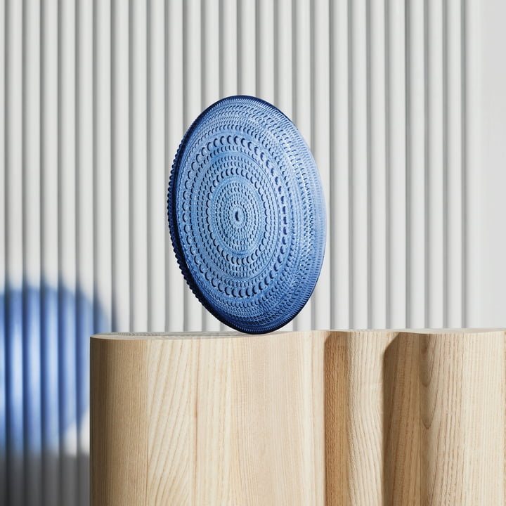 Kastehelmi plate by Iittala in ultramarine blue