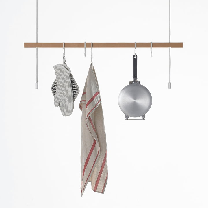 Stadtnomaden - Feiner Strick Clothes Rail in Beech with Kitchenware