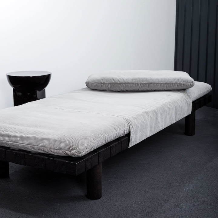 The Pulpo - Pallet Daybed in the Guest Room