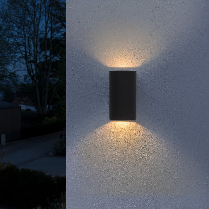 This Lantern Inspired House Design Lights Up A California: Endura Style UpDown LED Wall Lamps By Osram