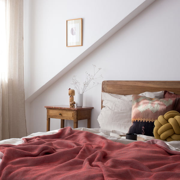 Decorating Your Bedroom Made Easy: 5 Bedroom Ideas